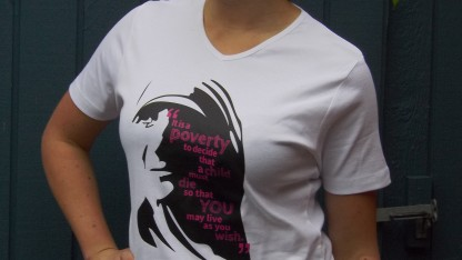 T-shirt: 'Mother Teresa' (v-hals)